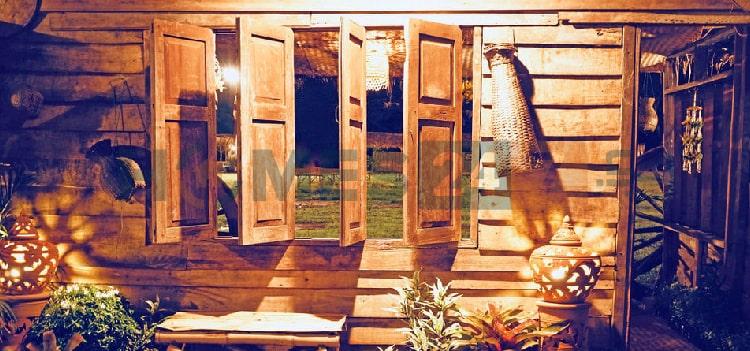 keep the windows and door open-home ventilation
