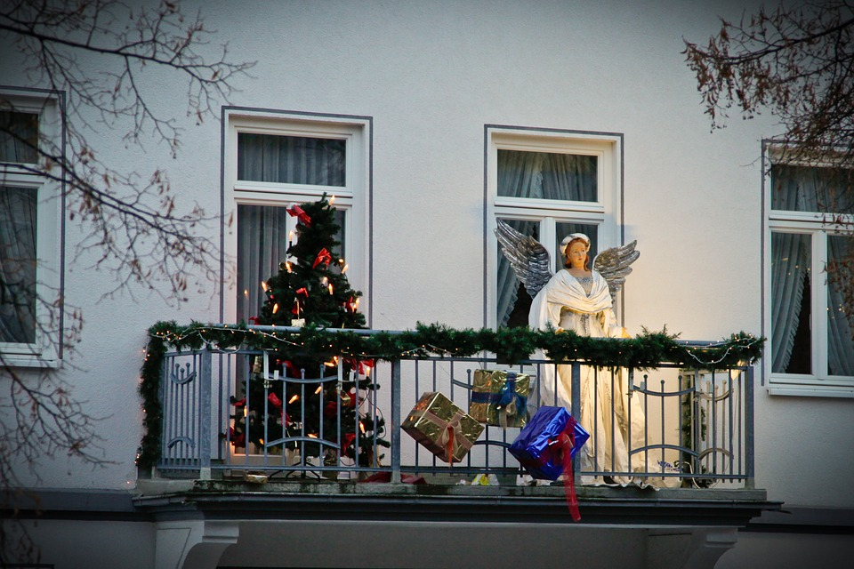 Christmas Balconies Decoration